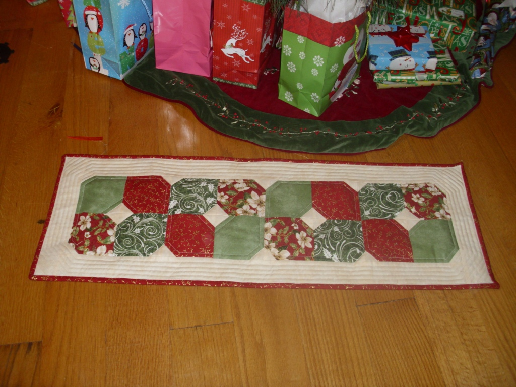 quilted table runner Christmas 2012